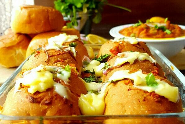 Cheesy Pav bhaji Sliders