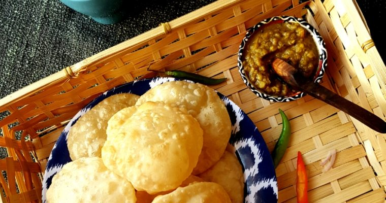 Luchi (Bengali deep fried puffy bread)