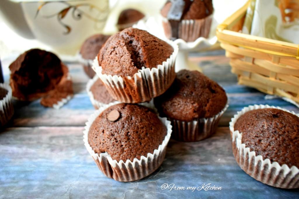 Moist Chocolate CupCake