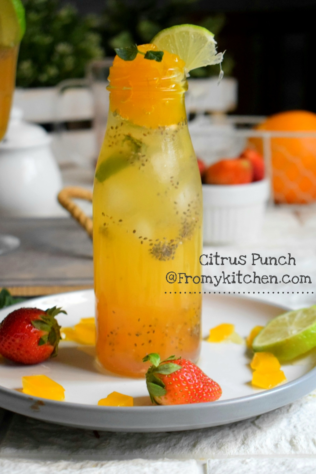 Citrus Punch with Chia & Jelly & Mix of Strawberry Mojito and Citrus Punch